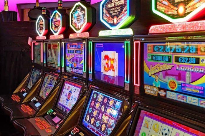 Slots Machine Games